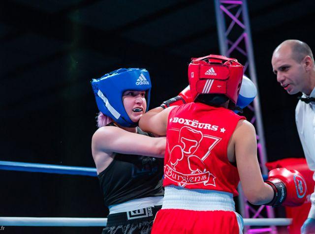 Combat de boxe féminine – les Boxeurs Burgiens