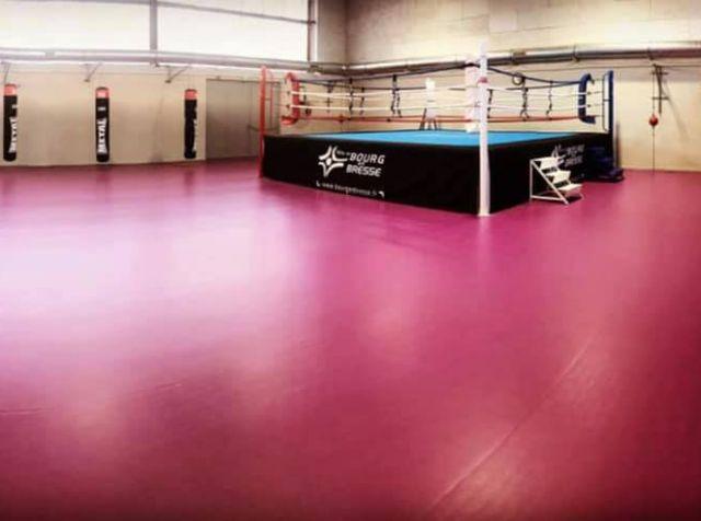 Ring de boxe au Cosec Claudius Favier à Bourg-en-Bresse – les Boxeurs Burgiens